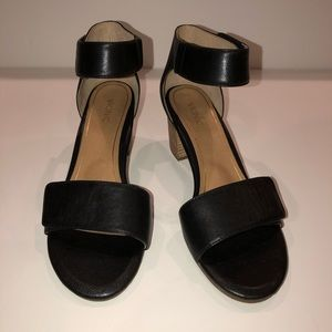 VIONIC Pep Solana Black Orthaheel Sandals 10